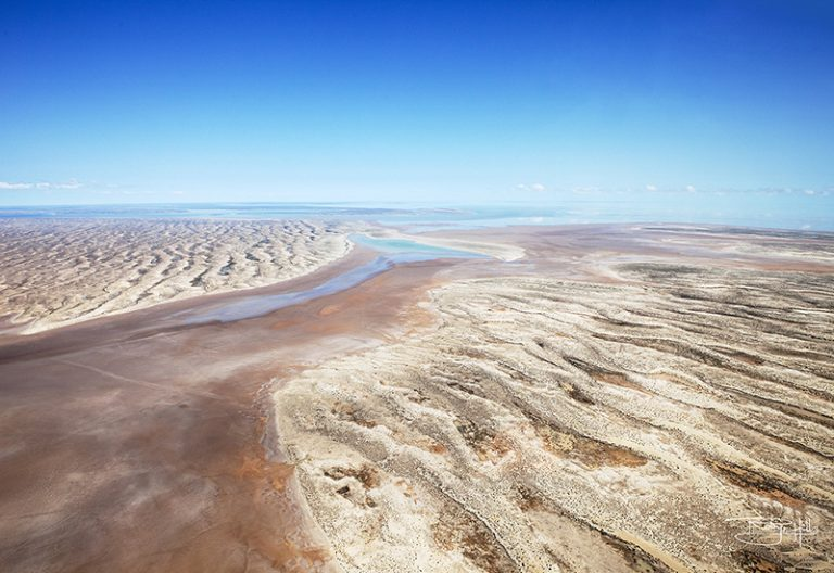 Central Australia photographed from helicopter by Robyn Hills Photography, Australia. Lake Eyre